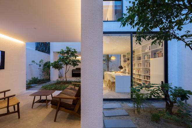 Đà Nẵng: Ngôi nhà có sàn bê tông, trát bằng cát thô, vữa xi măng xuất hiện lạ lẫm trên báo - Ảnh 1.