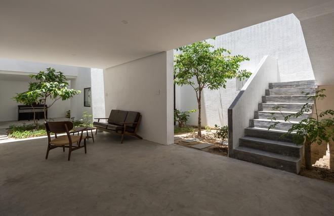 Đà Nẵng: Ngôi nhà có sàn bê tông, trát bằng cát thô, vữa xi măng xuất hiện lạ lẫm trên báo - Ảnh 7.