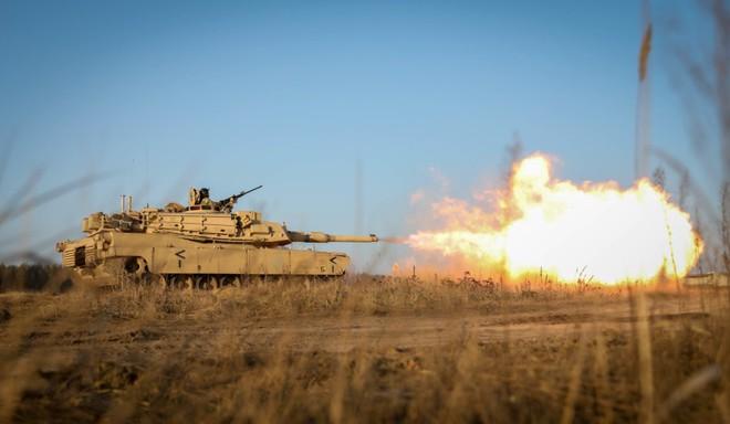 Đòn tấn công vũ bão của Nga vào NATO: Muốn đánh chặn, Mỹ phải tung ra xe tăng M1 Abrams? - Ảnh 1.