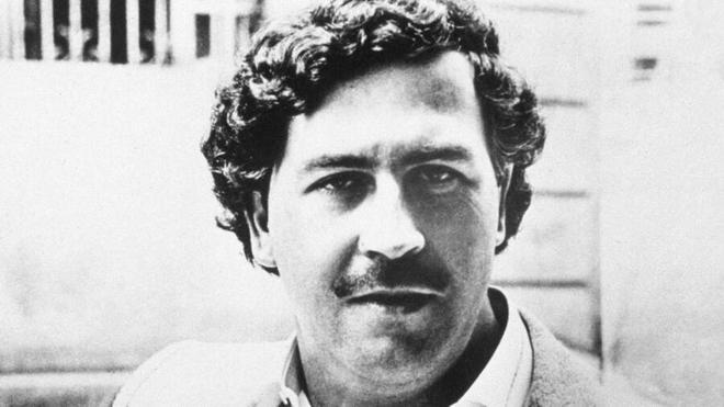 Cựu đặc nhiệm Anh kể chuyện suýt mất đầu khi đi giết trùm ma túy Escobar - ảnh 1