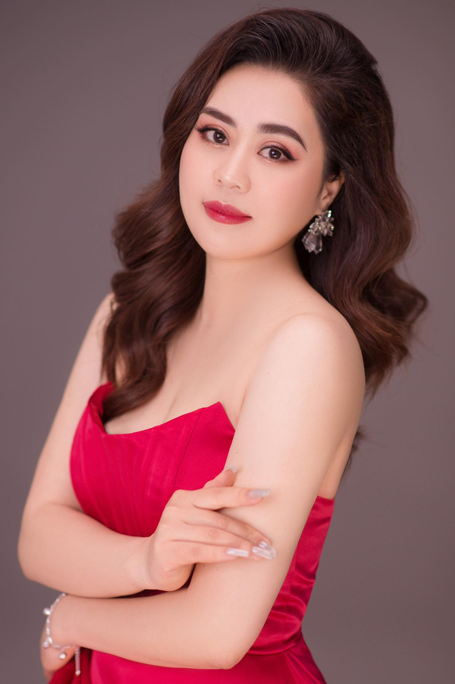 Nhan sắc ngày càng thăng hạng của diễn viên Phan Kim Oanh - Ảnh 3.