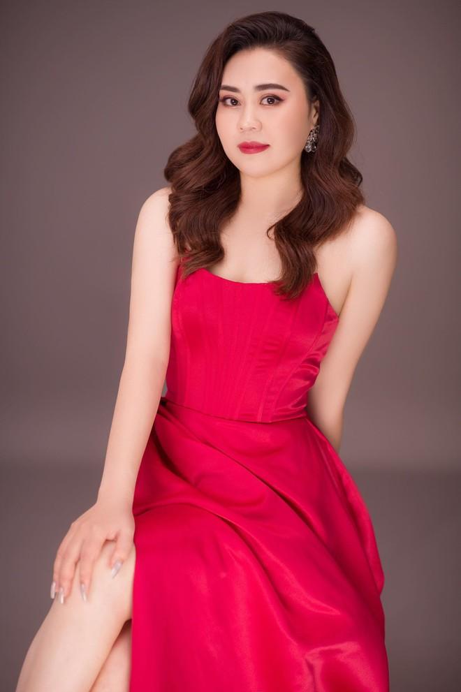 Nhan sắc ngày càng thăng hạng của diễn viên Phan Kim Oanh - Ảnh 6.