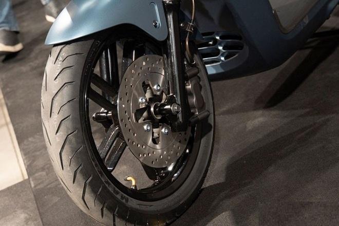 Yamaha đưa cơn ác mộng giá 75 triệu về Việt Nam, kèn cựa Honda SH, VinFast Theon? - Ảnh 10.