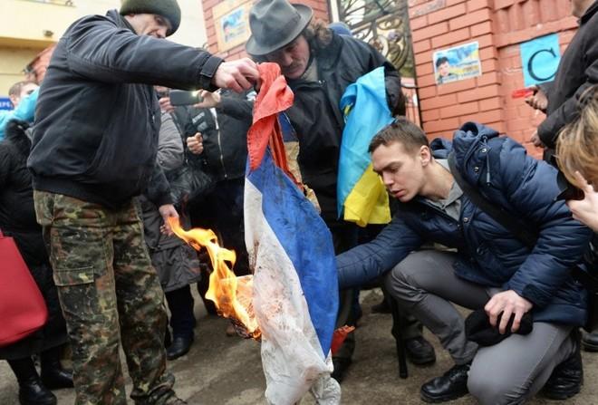 Chiến tranh Donbass bùng nổ, nhưng không phải Nga hay Ukraine mà Mỹ mới là bên thắng cuộc? - Ảnh 4.