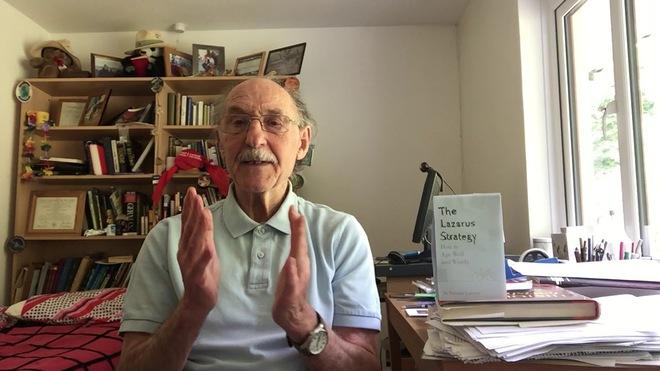 Thể lực của giáo sư 84 tuổi trẻ như 20: Dùng 3 viên đạn thần kỳ để làm đảo ngược tuổi của bạn - Ảnh 3.