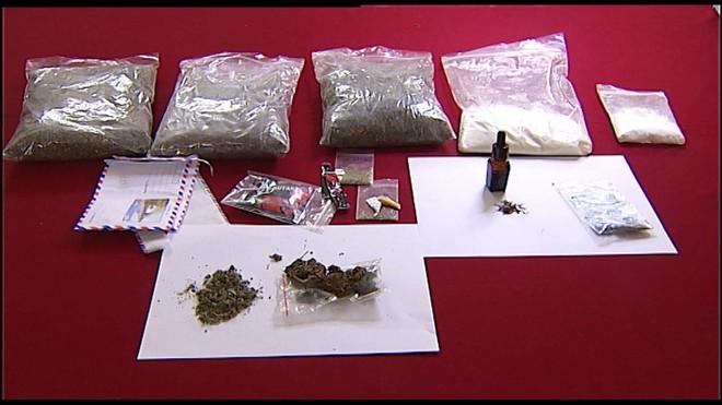 Chuyên gia Bộ Công An cảnh báo nhiều thủ đoạn trộn ma túy tổng hợp vào thuốc lào, thuốc lá điện tử để lôi kéo học sinh, sinh viên - Ảnh 4.