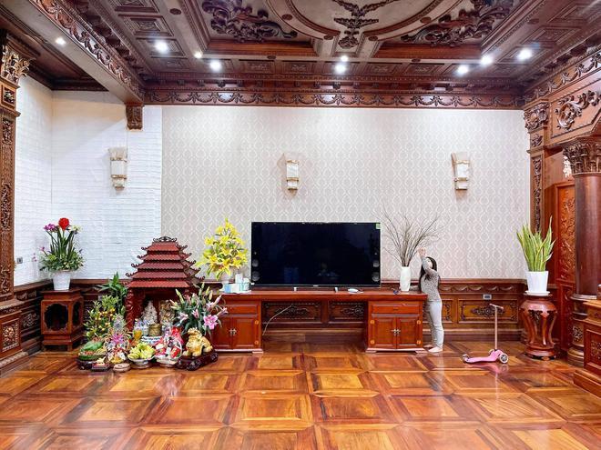 Choáng ngợp biệt thự rộng cả nghìn m2, phủ gỗ Lào từ đầu đến chân của đại gia Bắc Ninh - Ảnh 8.