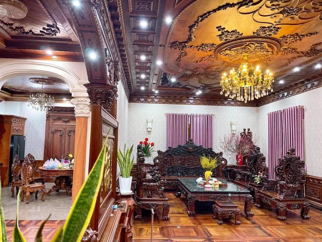 Choáng ngợp biệt thự rộng cả nghìn m2, phủ gỗ Lào từ đầu đến chân của đại gia Bắc Ninh - Ảnh 2.