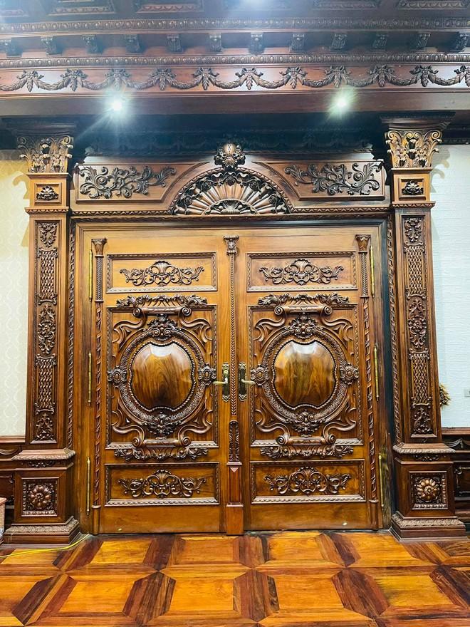Choáng ngợp biệt thự rộng cả nghìn m2, phủ gỗ Lào từ đầu đến chân của đại gia Bắc Ninh - Ảnh 7.