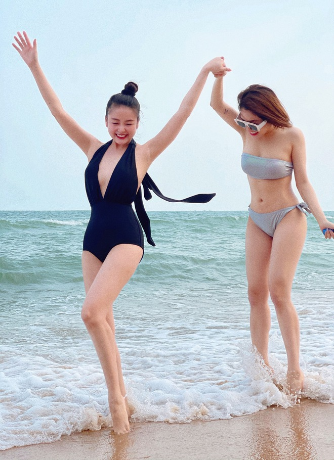 Hot girl Trâm Anh khoe vóc dáng nóng bỏng với bạn thân - Ảnh 3.