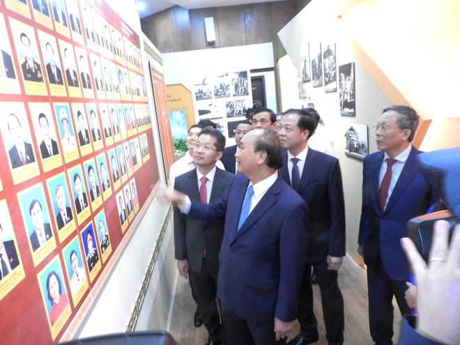 Chủ tịch nước Nguyễn Xuân Phúc: Đà Nẵng – Quảng Nam phải thành địa phương đáng sống,  thiên đường du lịch an toàn của quốc tế - Ảnh 1.