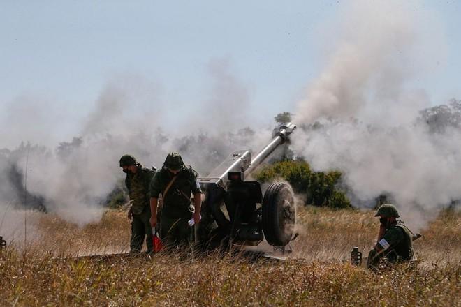 Tình hình Donbass căng thẳng: Mỹ nắn gân Nga - Moscow tung đòn tổng lực với Trung Quốc - Ảnh 2.