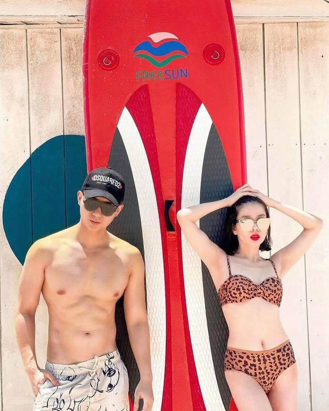 Những mỹ nhân Việt chăm diện bikini, rủ bạn trai cùng khoe body nóng bỏng - Ảnh 5.
