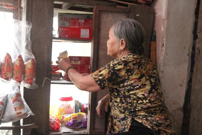 Tiệm tạp hoá từ thời bao cấp của cụ bà gần 90 tuổi - nơi chứa đựng cả bầu trời thanh xuân - Ảnh 6.