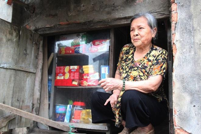 Tiệm tạp hoá từ thời bao cấp của cụ bà gần 90 tuổi - nơi chứa đựng cả bầu trời thanh xuân - Ảnh 8.