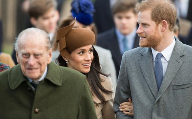 Phản ứng đầu tiên của vợ chồng Harry - Meghan ngay sau sự ra đi của cố Hoàng thân Philip khiến dư luận xôn xao tranh cãi