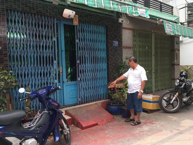 Một gia đình ở Sài Gòn bị khủng bố bằng sơn, mắm tôm - Ảnh 1.