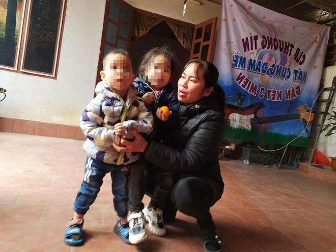 Vụ 2 đứa trẻ bị bỏ rơi trên đê sông Hồng: Nỗ lực nhập khẩu vẫn chưa thành - Ảnh 1.