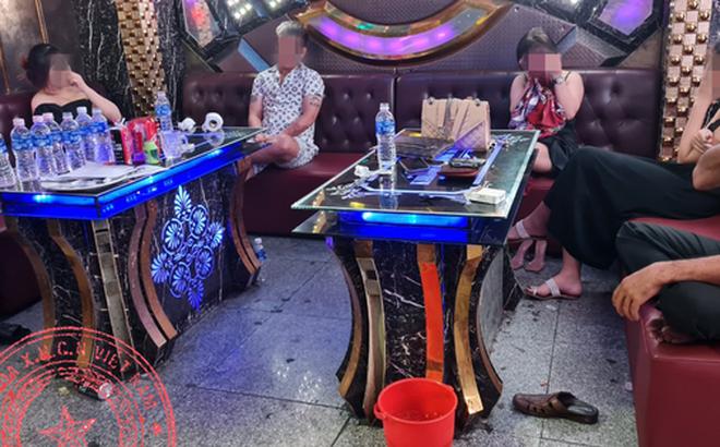 Phát hiện nhiều nhóm thanh niên tổ chức tiệc ma túy trong phòng karaoke