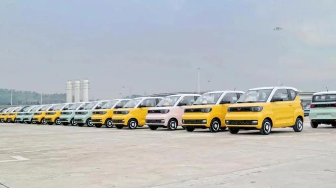 Chiếc ô tô điện giá hơn 100 triệu phá đảo doanh số, 2 phút có 1 xe xuất xưởng - Ảnh 1.
