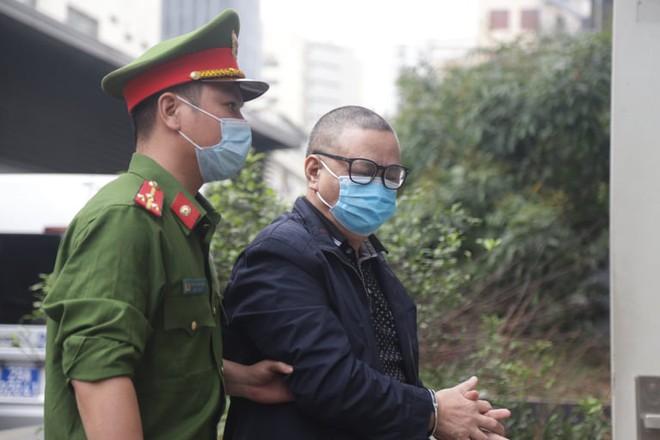 Chân dung cựu lãnh đạo thép Việt Nam cùng 18 đồng phạm tuổi U70 làm thất thoát 830 tỷ đồng tại TISCO - Ảnh 4.