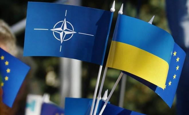 Lính Ukraine đổ bệnh hàng loạt ở giới tuyến Donbass  - Tình báo Israel lập đại công, đánh quỵ cơ sở hạt nhân Iran? - Ảnh 2.
