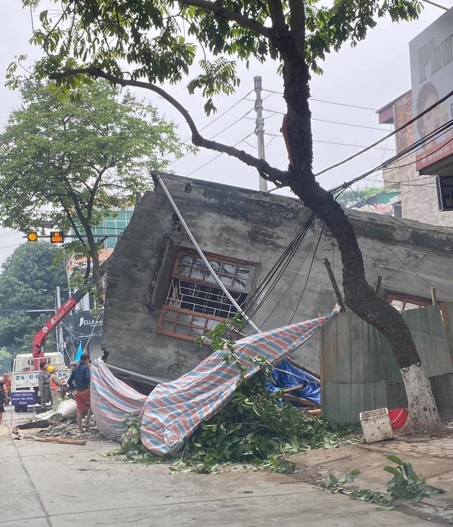 Cận cảnh căn nhà 3 tầng đổ sập trong đêm ở Lào Cai - Ảnh 7.