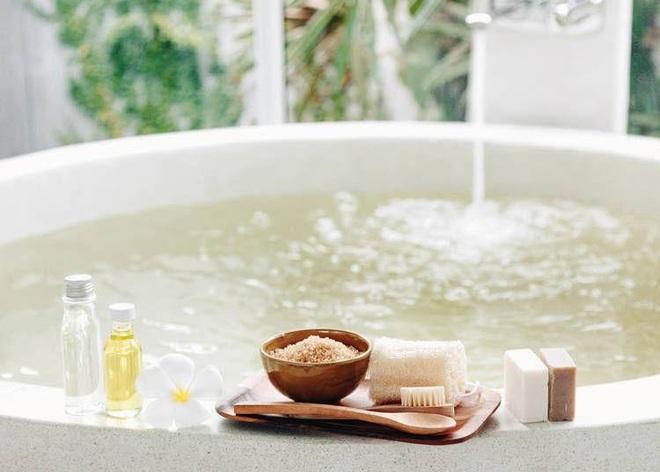 Tắm khỏa thân trước người lạ: Cú sốc làm choáng người nước ngoài, dân Nhật lại thấy bình thường thôi - Ảnh 4.