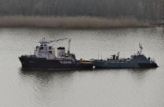 Máy bay Mỹ ùn ùn kéo tới Ukraine, xung đột Donbass sớm nổ ra - Nga điều thêm tàu chiến tới Biển Đen, sẵn sàng đẩy lùi mọi cuộc tấn công - Ảnh 3.