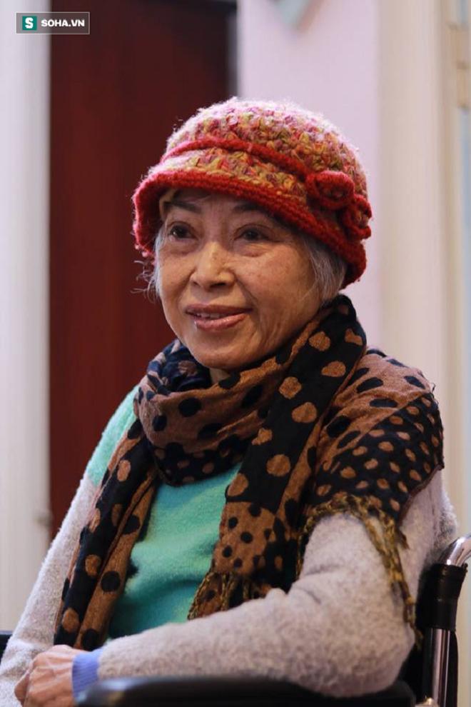 Việt Hương nghẹn ngào báo tin buồn: Con chào mẹ, cảm ơn mẹ đã yêu con - Ảnh 4.