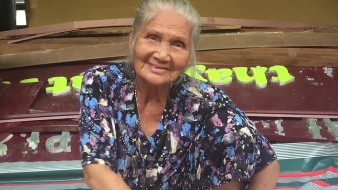 Cô đào vang danh một thời: Ở trọ tồi tàn, 7h tối đi ngủ tiết kiệm điện, được Hoài Linh cho tiền - Ảnh 5.