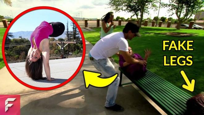 Giải mã ảo thuật cắt đôi người rùng rợn ngay giữa công viên, người nam người nữ bị cắt đổi chân cho nhau - Ảnh 2.