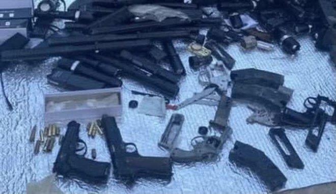 Lộ kho vũ khí khủng trong nhà đối tượng cộm cán ở TP Biên Hoà - Ảnh 3.