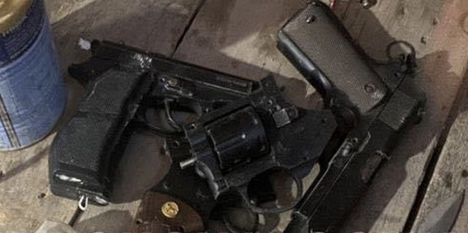 Lộ kho vũ khí khủng trong nhà đối tượng cộm cán ở TP Biên Hoà - Ảnh 4.