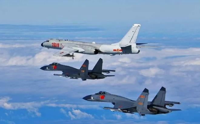 25 máy bay chiến đấu Trung Quốc ồ ạt áp sát Đài Loan: Vụ tiếp cận lớn nhất từ trước tới nay