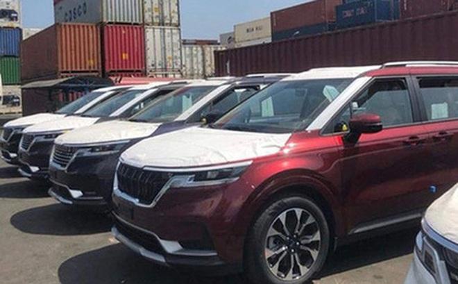 Kia Sedona 2021 bất ngờ cập cảng, chờ ngày ra mắt thị trường Việt