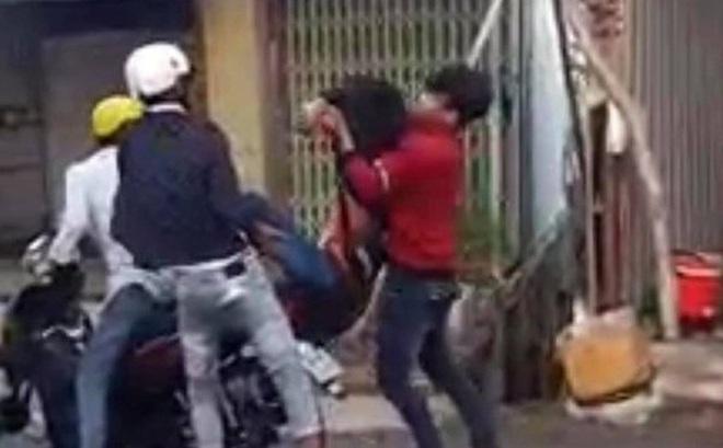 Điều tra vụ nam thanh niên bị chặn đầu xe, đâm tử vong
