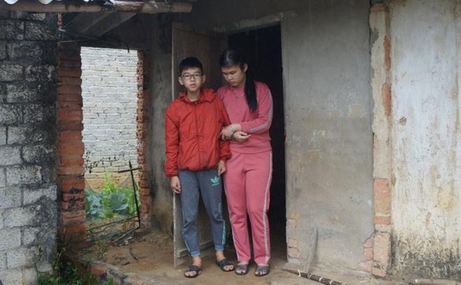 """Ông Đoàn Ngọc Hải muốn khẩn trương giúp mẹ con người phụ nữ mù đáng thương ở Nghệ An, """"cứu"""" đôi mắt cháu bé"""
