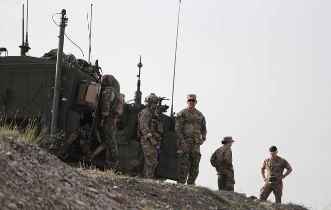 50 tàu chiến Nga ùn ùn áp sát Ukraine, Bộ trưởng Shoigu tuyên bố sẵn sàng chiến đấu - Hải quân Mỹ hãy tránh xa! - Ảnh 1.
