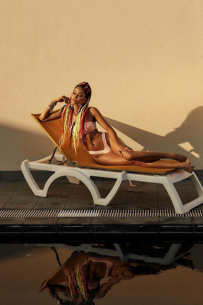 Sắc vóc cuốn hút, nóng bỏng tuổi 29 của hoa hậu HHen Niê - Ảnh 5.