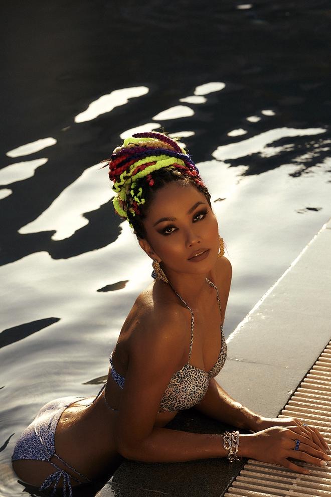 Sắc vóc cuốn hút, nóng bỏng tuổi 29 của hoa hậu HHen Niê - Ảnh 8.