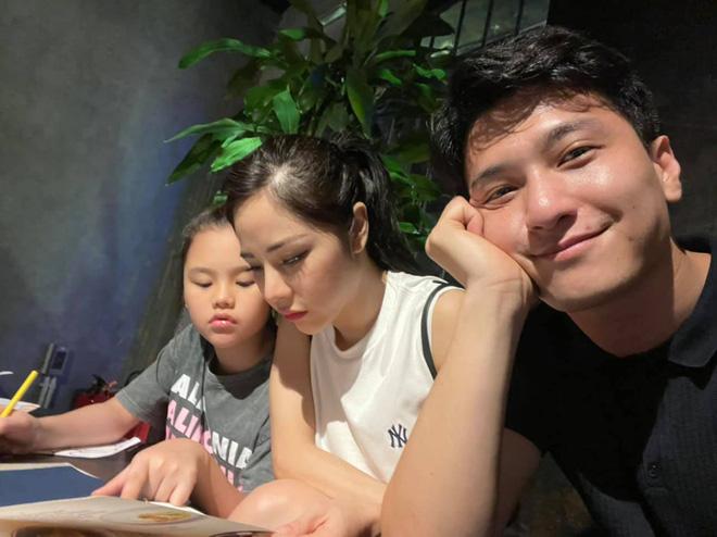 """Huỳnh Anh bị chê là """"thằng ngu"""" khi yêu single mom, bạn gái hơn 6 tuổi nổi giận đáp trả - Ảnh 1."""