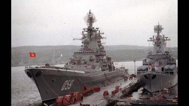 Hải quân Nga khai tử hàng hoạt siêu chiến hạm và tàu ngầm nguyên tử: Quyết định sốc - Ảnh 2.