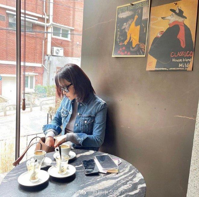 Nữ thần Chae Rim ở tuổi 42: Bỏ chồng về Hàn, một mình nuôi con, giã từ showbiz để kinh doanh - Ảnh 15.