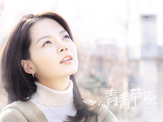 Nữ thần Chae Rim ở tuổi 42: Bỏ chồng về Hàn, một mình nuôi con, giã từ showbiz để kinh doanh - Ảnh 2.