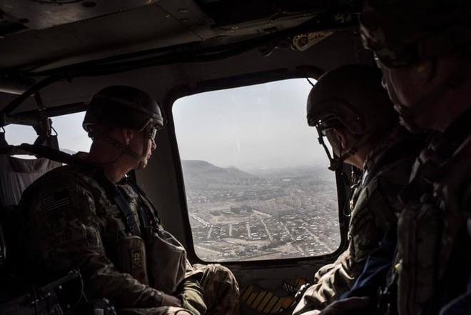 Nhìn lại toàn cảnh cuộc chiến đẫm máu dài nhất lịch sử Mỹ ở Afghanistan - Ảnh 32.