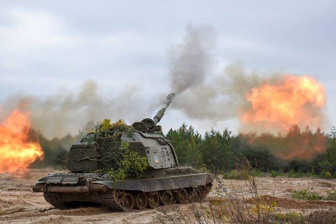 Máy bay quân sự Mỹ nườm nượp tới Ukraine giữa lúc căng thẳng - Vừa hủy điều tàu chiến, TT Biden tung ngay đòn giáng mạnh nhằm vào Nga - Ảnh 2.