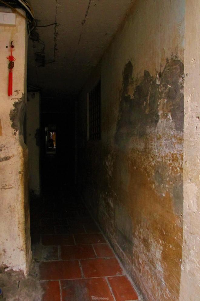 Cận cảnh những con ngõ siêu nhỏ của phố cổ Hà Nội - Ảnh 4.