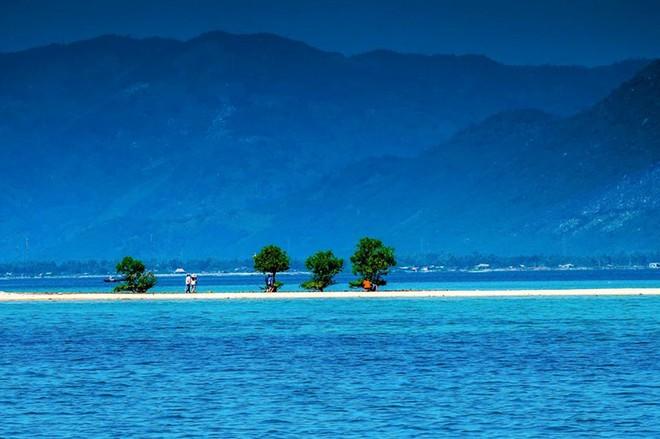 Những bãi biển tuyệt đẹp ít người biết tới ở Việt Nam - Ảnh 9.