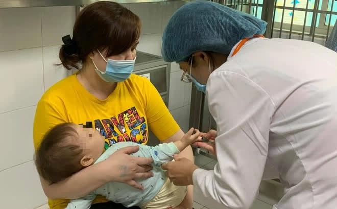 Hà Nội: Số ca mắc tay chân miệng tăng đột biến, chuyên gia chỉ 3 dấu hiệu bệnh nặng
